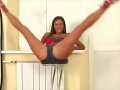 Flexible Sexual Workout in Bikini - 4
