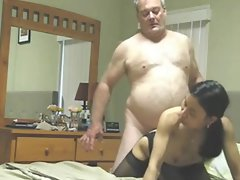 Heavy experienced lad bangs his asian nympho