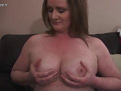 Amateur attractive mature slutty mom playing with her toy