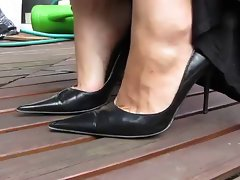 Sexual MILFY feet in black heels