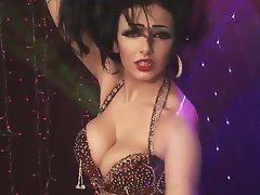 Attractive Lebanese belly dancer 6