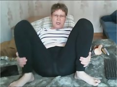Seductive mom teases in leggings then cums