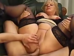 Aged Big beautiful woman squirts while assfucked