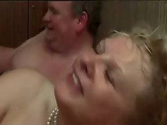 Amateur - Bisex Taking Turns CIM Facial