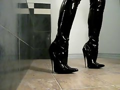 walk in high boots scream3010