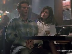 Linda Fiorentino naked - The Last Seduction (1994)