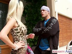 Blondie sex partner Jazy Berlin banging