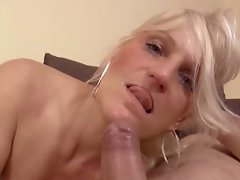 Blondie granny is in urgent need for strong throbbing dick