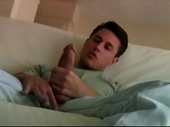 Attractive twink selfsucks