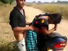 desi vixen having quickie by the road while friend