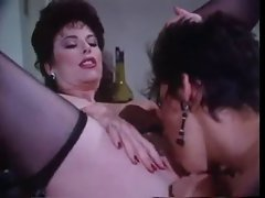 Amanda Vintage Crazy threesome action