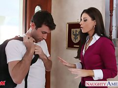 Puny titted mamma India Summer banging