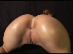 Big Nude Arse Bouncing Dance by Nordic-Western Light-haired Dame