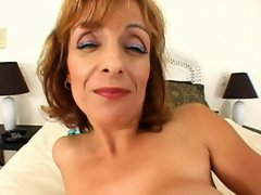 attractive mature big boob asshole bitch