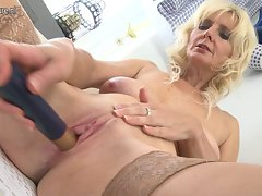 Lovely experienced stepmom