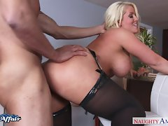 Big titted light-haired Alura Jenson fuck her neighbor