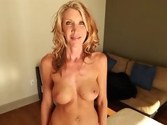 Slender Attractive mature Amateur Cougar Makes Porn Video