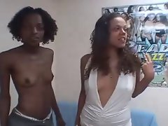 Amateur filthy ebony gfs try lesbo pleasures