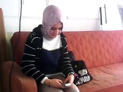 Dar kot giyen turbanli kiz (Turkish 18yo Arabian hijab Girl)
