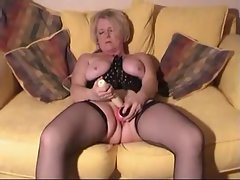 Blond experienced with toys and pecker in her dripping cunt