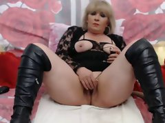 Blond Experienced On WebCam