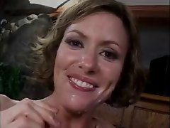 Cum Hungry Cougar Saskia Fuck and Facial