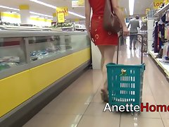 blowjob dans ascenseur et exhibe au supermarche