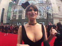 Gemma Arterton: EPIC Cleavage!