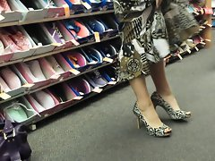 High heels and the mating game pt. 1