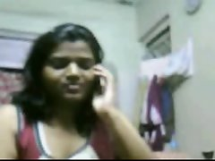 Muscular Hyderabadi Lass Riya Showing Her Knockers on Cam