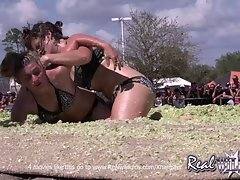 Randy chicks Coleslaw Wrestling