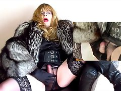 Nylon cumming transvestite bimbo in fur