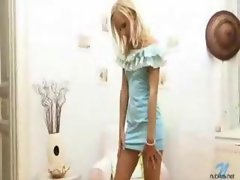Blond Sexy fanny Dildoing