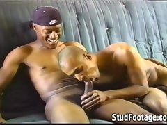 2 ebony chaps screwing in the couch