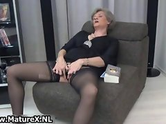 Experienced mature whore in sensual black stockings movie