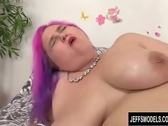 Fatty Trollop Sara Starlet Gets Herself Off Bigtime with a Banging Machine