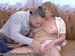 Experienced Gets her Titties Licked and 18yo Pecker Injected!